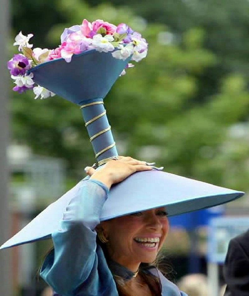 10 Funny Pictures Of People Wearing Horrible Hats