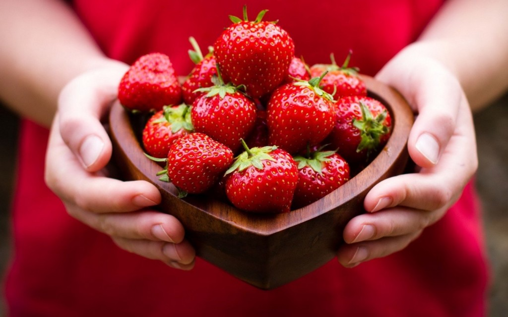 10 Healthy And Interesting Facts About Strawberries