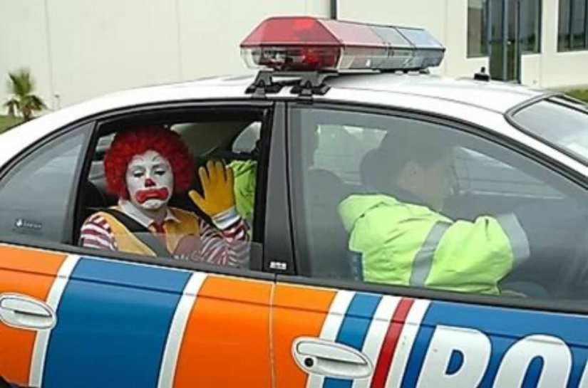 10 Hilariously Inappropriate Ronald McDonald Photos