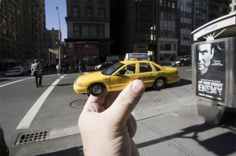 10 Of The Coolest Juxtaposed Photos Ever
