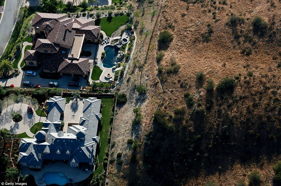 "California's Wealthy Subjected To ""Drought Shaming"""