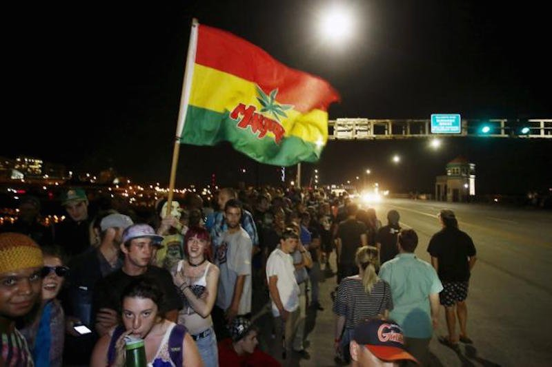 Crowds Gather On Bridge In Oregon Then Smoke Marijuana At Midnight