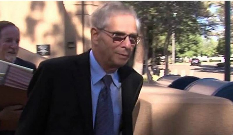 Doctor Guilty Of Molesting And Photographing Naked Patients Gets No Jail Time