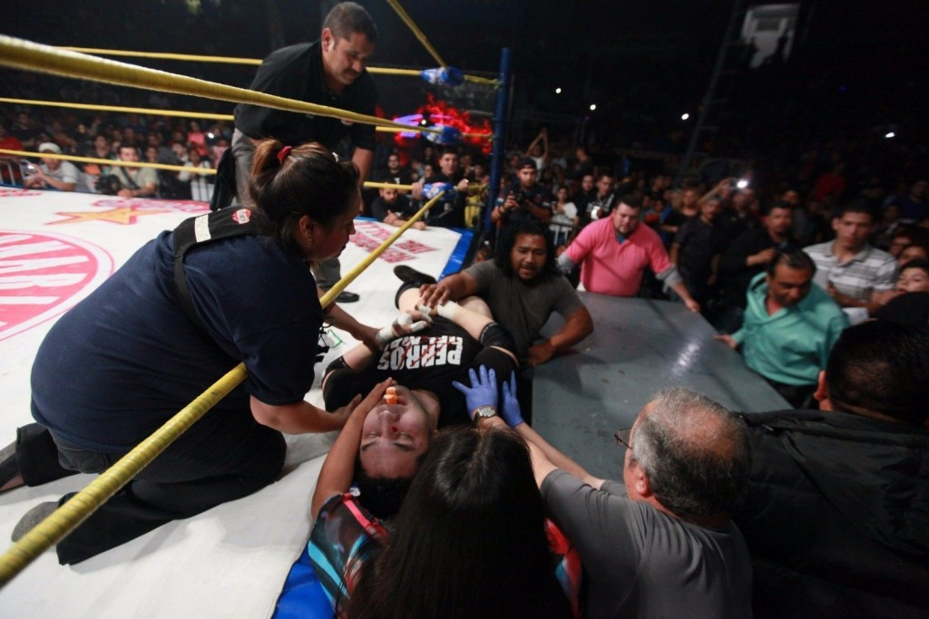 Mexican Wrestler Dies After Accident In The Ring