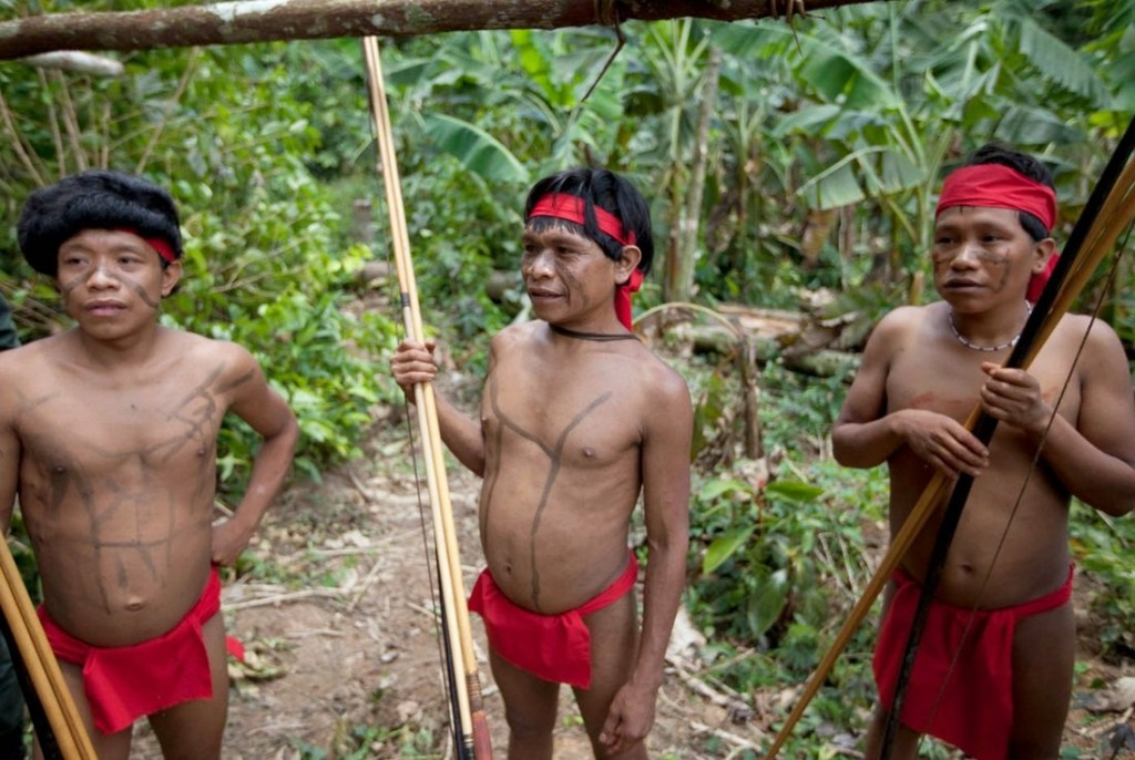 yanomamo people of the rainforest In the minds of the yanomami people who live in the rainforest, the forest is not only composed of plant and animal life, but of spiritual life as well to the yanomami, every single tree, vine, shrub, and flower is inhabited with animal spirits.
