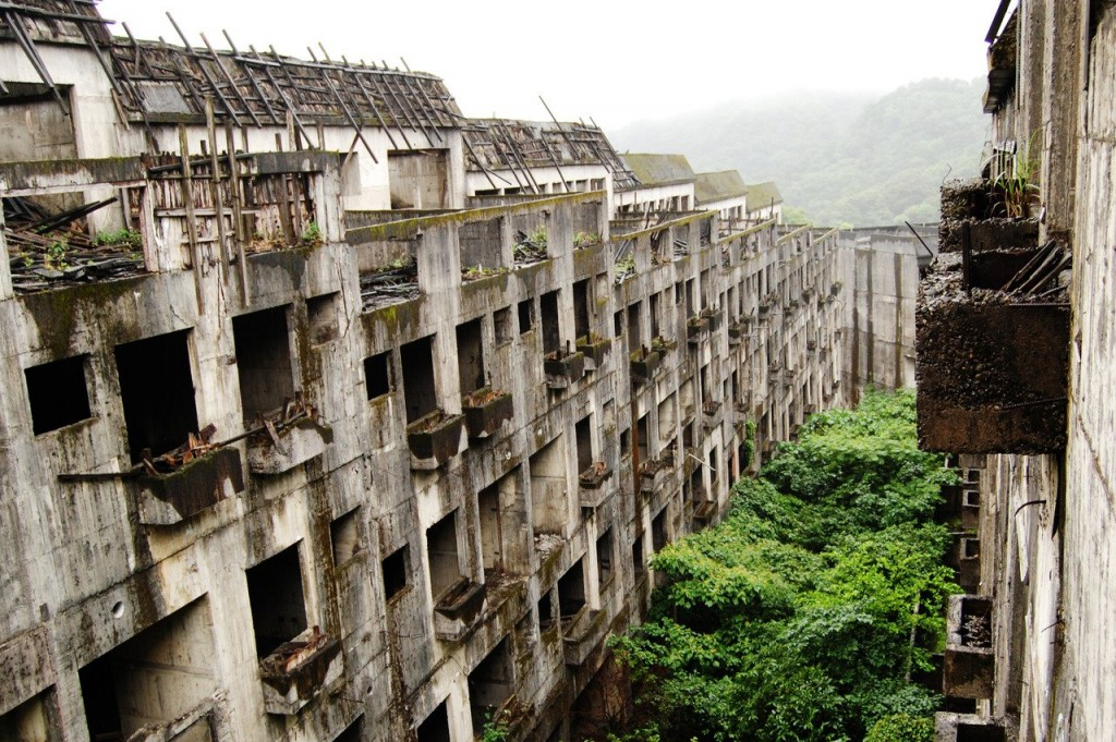 20 Strangely Beautiful Places That Are Completely Abandoned
