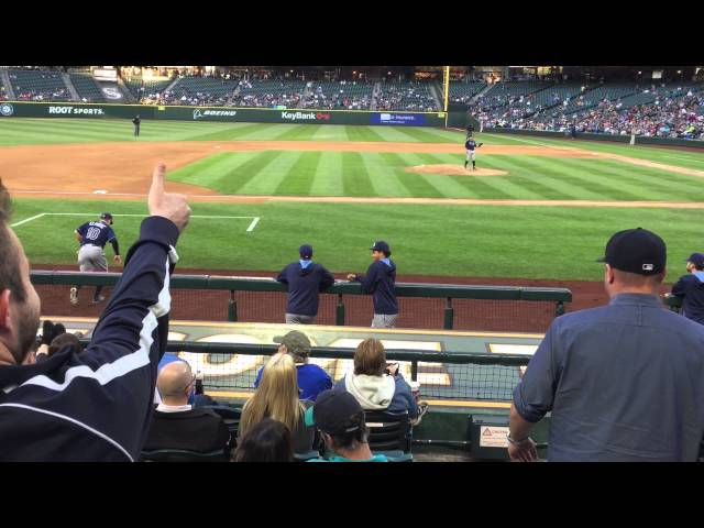 Fan Blows Kiss To Baseball Player, Who Catches It And Throws It Away