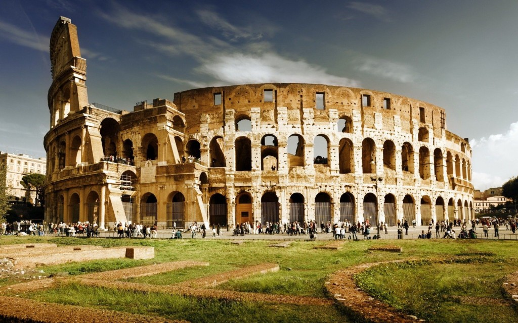 You'll Never Believe What These Tourists Did At The Roman Colosseum