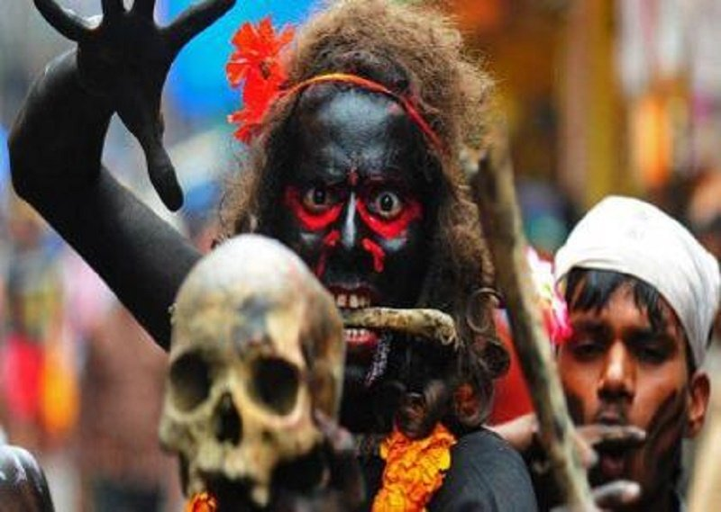 20 Crazy Indian Rituals You Won't Believe