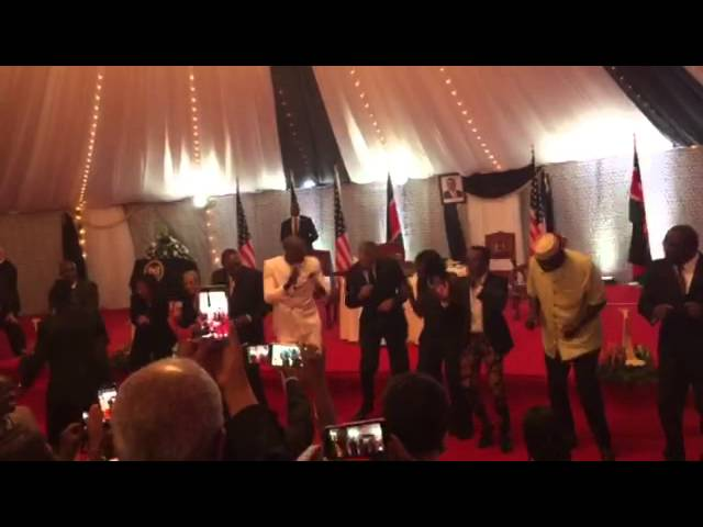 Obama Joins Local Band And Shows Off His Dance Moves During State Dinner