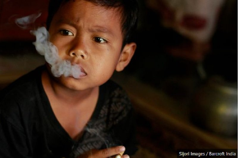 This 7-Year-Old Boy Smokes 16 Cigarettes Per Day